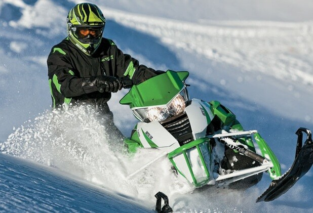 Cнегоход Arctic Cat M800