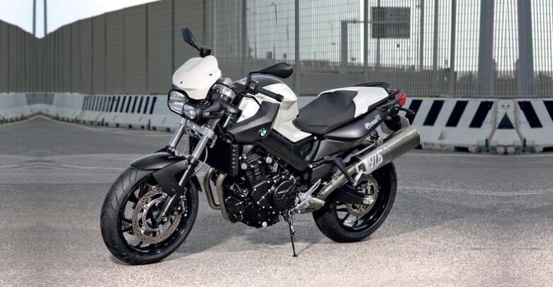 BMW F 800 R: лучший мотоцикл для стант-райдинга