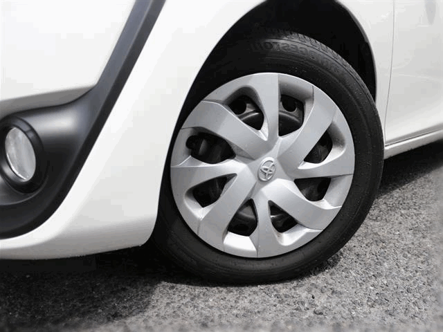 Тойота Сиента фото нового кузова