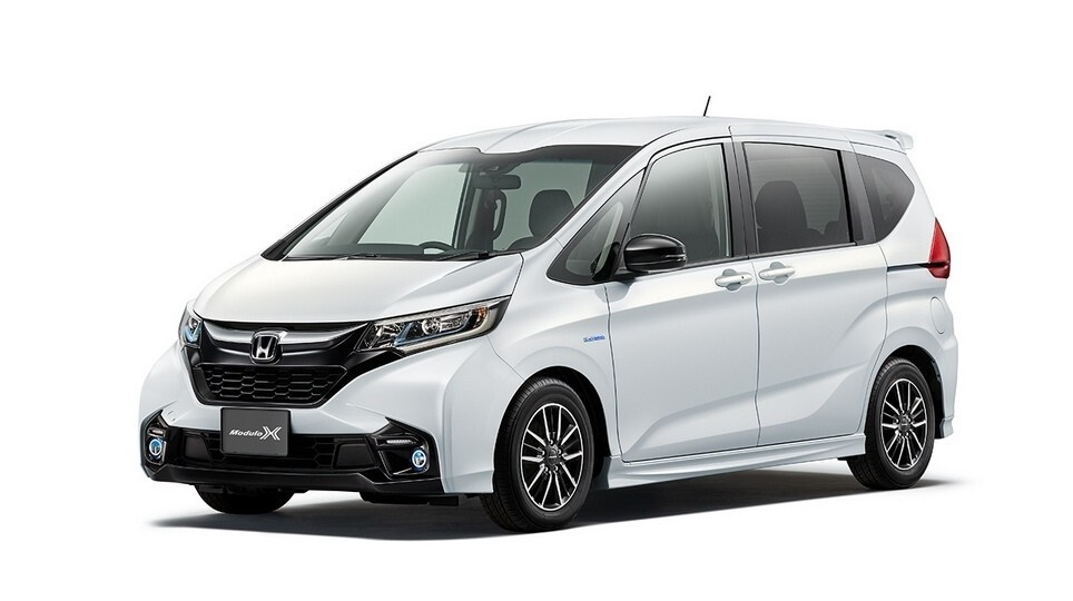 Honda Freed в комплектации Modulo X