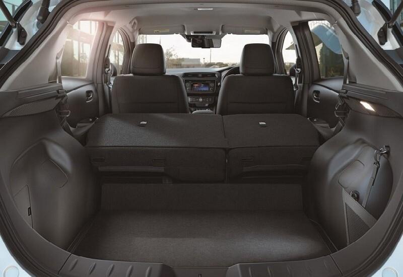 Багажник нового Nissan Leaf