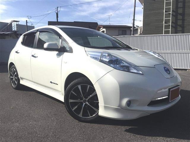 Обзор Nissan Leaf 1 поколение Nissan Leaf  1 поколение