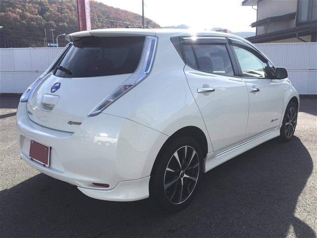 Nissan Leaf 1 поколение: первый электрический