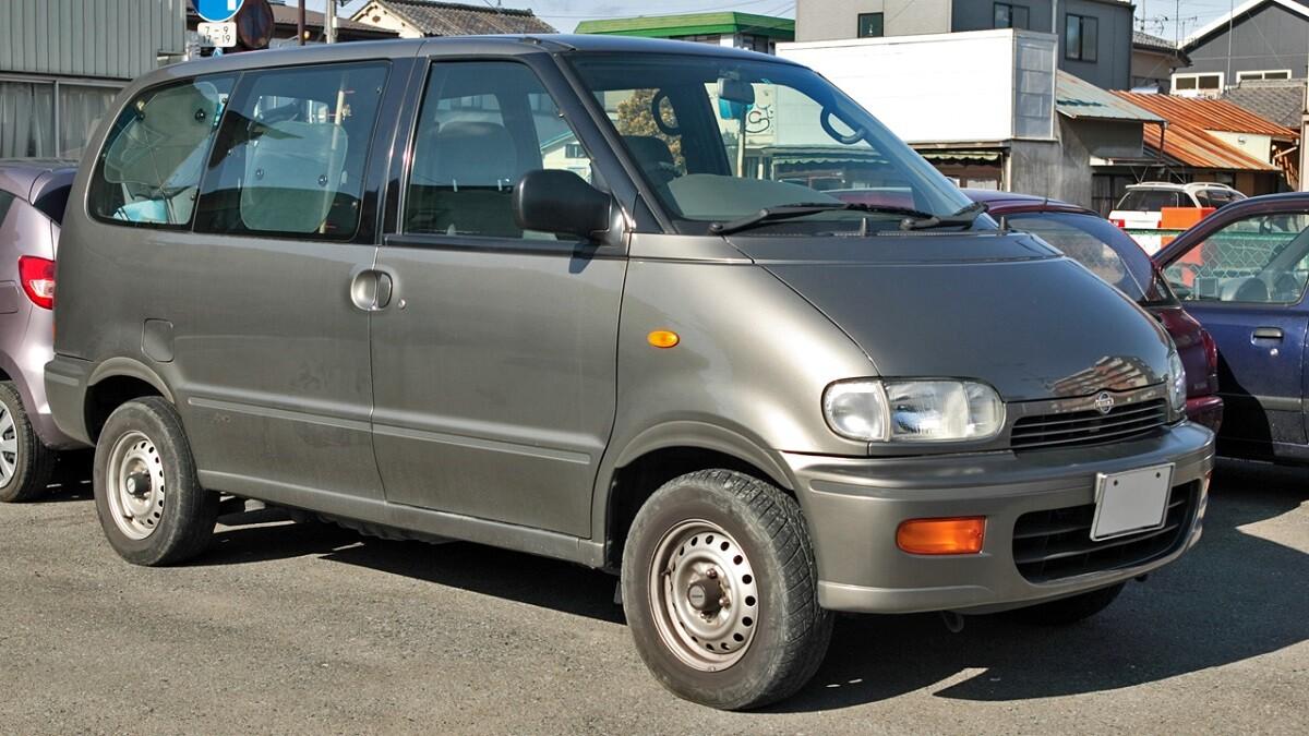 Nissan Serena первого поколения