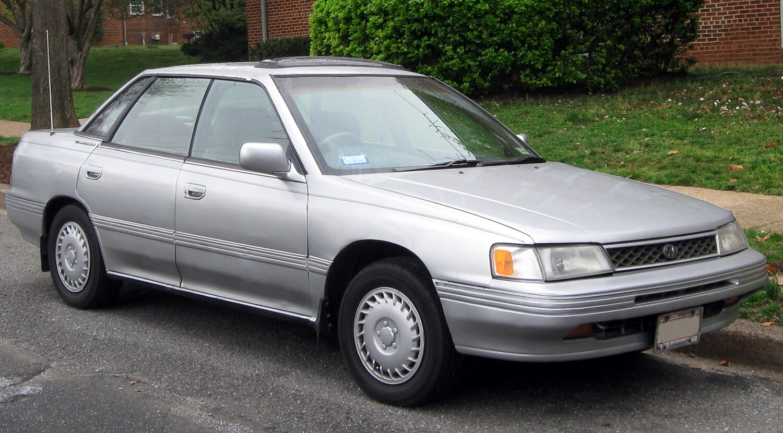 седан Subaru Legacy