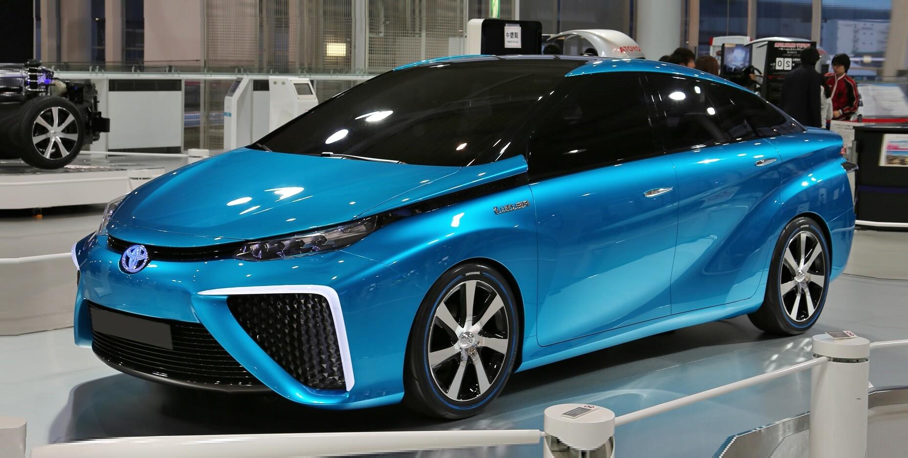 История модели Toyota Mirai