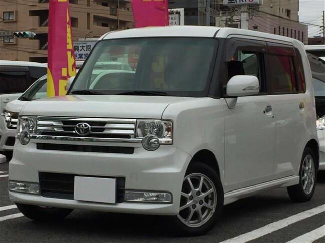 обзор Toyota Pixis Space, 2016 год