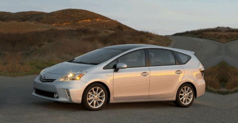 Toyota Prius V (Тойота Приус Альфа) гибрид