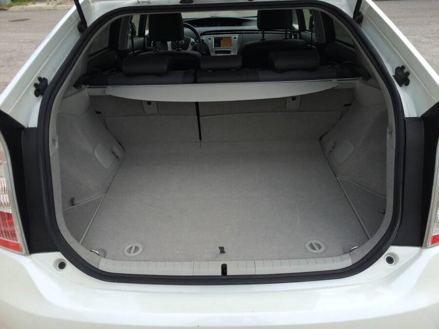 Конструкция сидений в Toyota Prius в 30-м кузове