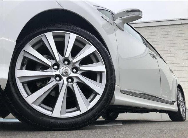 обзор Toyota Sai гибрид