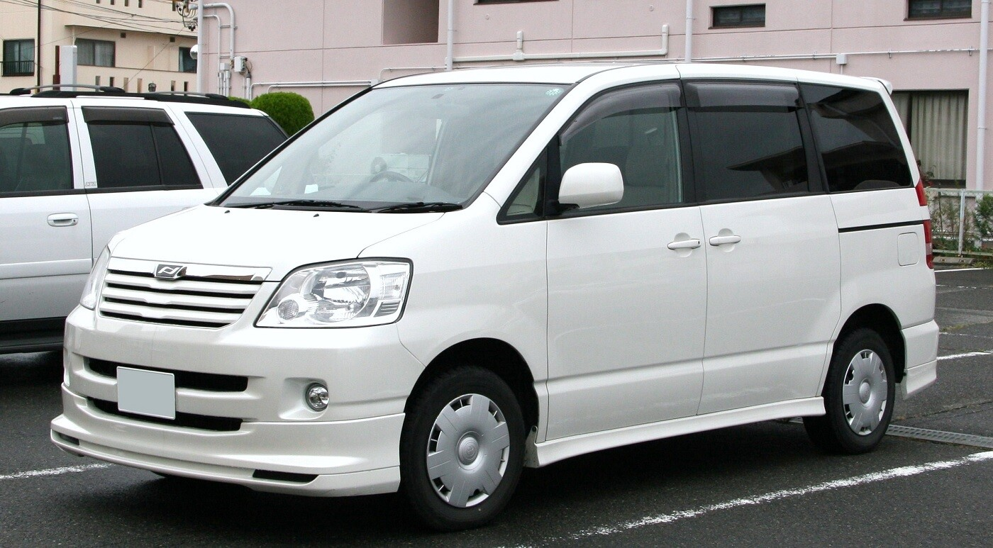 Toyota Noah (Ной)