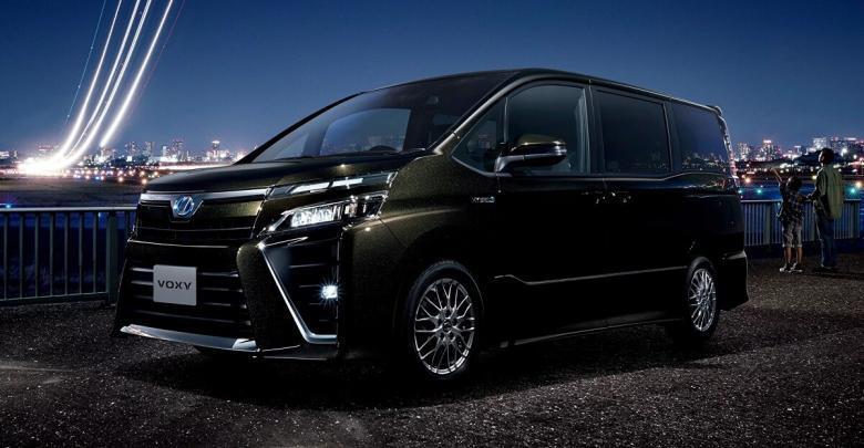 Тойота Вокси третьего поколения
