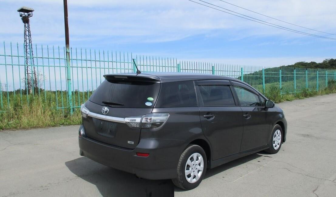 Toyota Wish рестайлинг