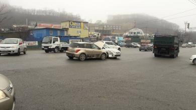 ДТП на Бородинской Toyota Ist ударил Prius