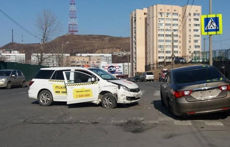 ДТП Шилкинская таксист разнес Mark X
