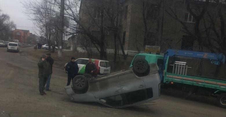 ДТП на Тургенева перевернут Nissan Cube