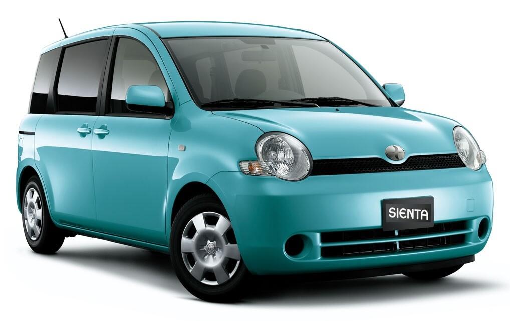 Обзор Toyota Sienta (Тойота Сиента)
