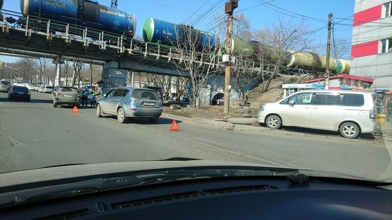 ДТП на Спортивной два кроссовера. Владивосток